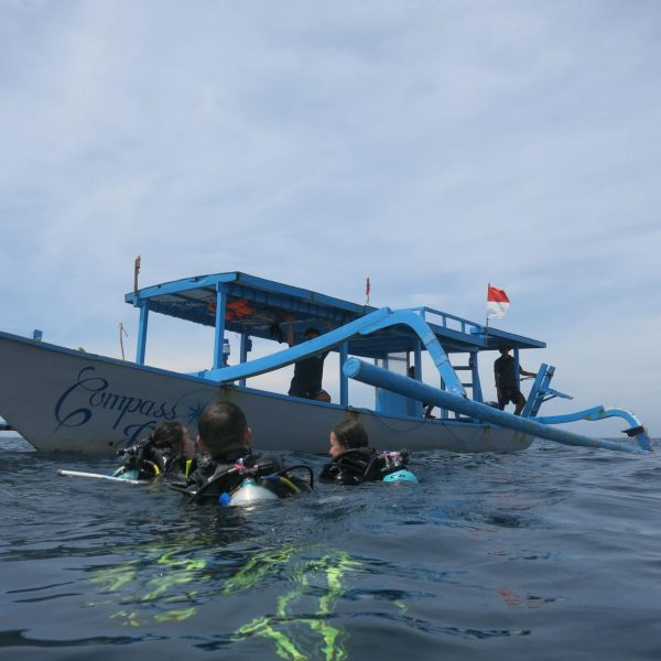 Compass Divers Gili T